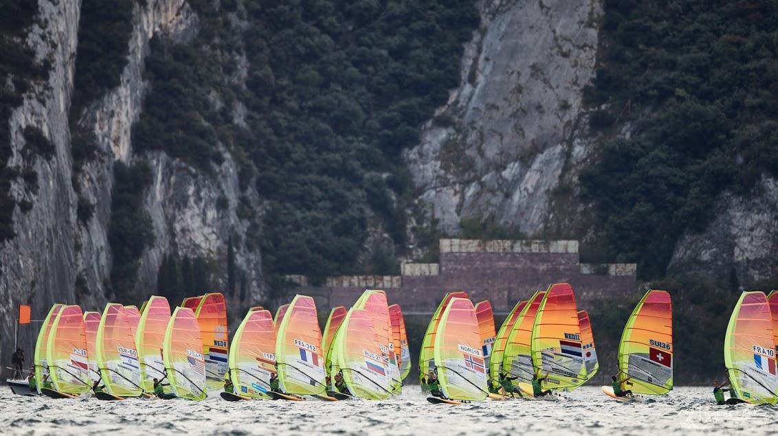 RS:X-Windsurfing - World Championship - Torbole ITA - Mateo Sanz-Lanz SUI definitiv für Olympia qualifiziert !